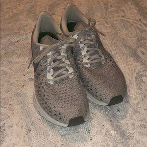 Nike Air Zoom Pegasus 35 Running Shoes Size 7.5